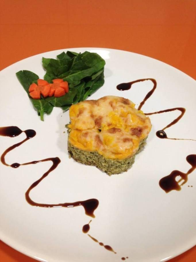 MARIA JOSE ESCOBAR Pollo especiado con pure de zanahoria en flor